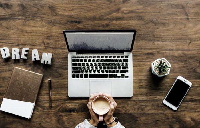 Ce blogger sunt eu daca nu scriu?